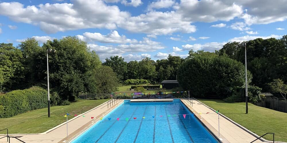 Lido in Ware