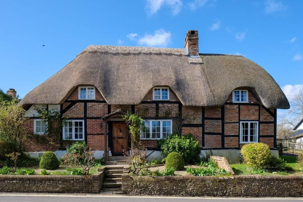 amazing thatched houses in england