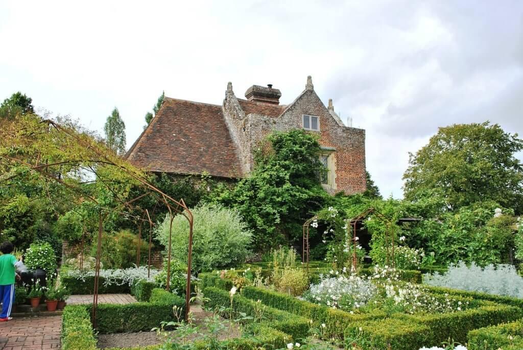 garden in england